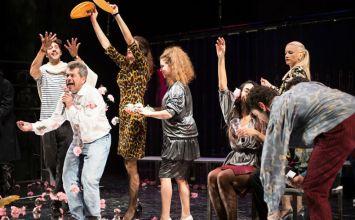 «Αυτή η νύχτα μένει» για 6 παραστάσεις στην έκθεση GR80s – Τεχνόπολη