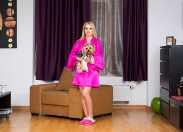 Η παγκόσμια «βασίλισσα» του web porn Ρουμανία από τον φακό του Lorenzo Maccotta