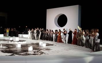 Ηλέκτρα από τον Θάνο Παπακωνσταντίνου στην Επίδαυρο: μουντζούρες σε λευκό καμβά