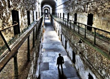 H «Εγκληματολογία από τα κάτω»: Όταν μιλούν μόνο οι κρατούμενοι