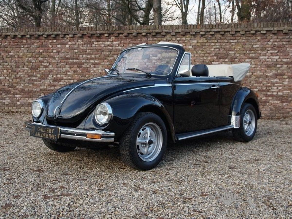 hight resolution of vw beetle 1303 convertible