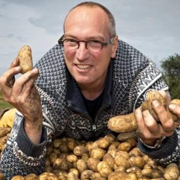 planting-potatoes32-1