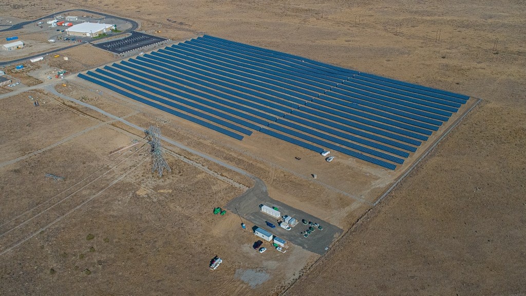 Over 11,000 solar panels and 1MW-4MWh battery installation.