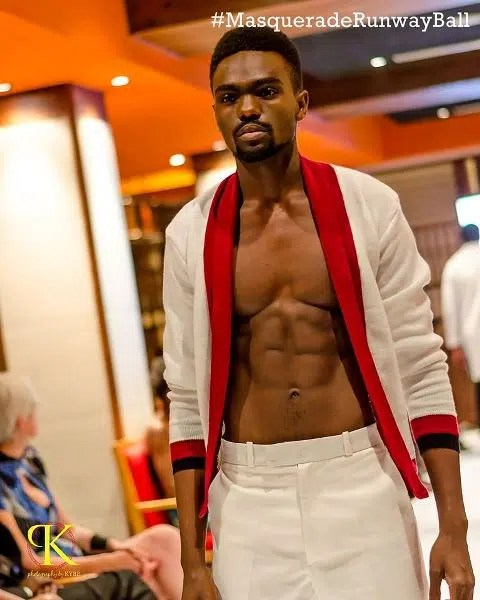 Male model strutting the catwalk. Image courtesy of Kaymu.