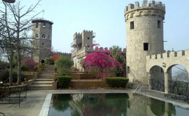 Karuja Castle in Nigeria. Image from http://allafrica.com/view/group/main/main/id/00029763.html