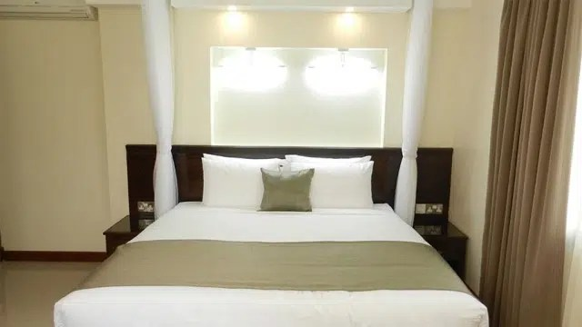 The bed at Pinecone. Image credit Ominde