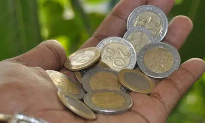 Save your coins. Image from http://www.hapakenya.com/2015/10/02/cbk-warns-supermarkets-over-offering-sweets-as-change-to-customers/
