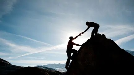 A mentor helps you climb the hurdles. Image from https://www.americanexpress.com/us/small-business/openforum/articles/finding-the-right-mentor/