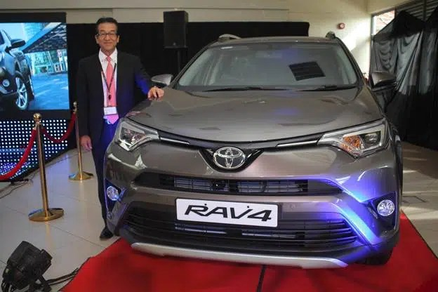 toyota kenya launches the stylish new look 2016 rav 4 potentash toyota kenya launches the stylish new