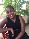 Pearls And Heels: Laura Kaindi