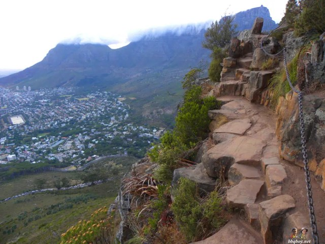 Chains on Lions Head Trail - Cape Town - Outdoors Activities