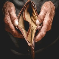 7 Signs That You Are Headed Towards A Financial Disaster
