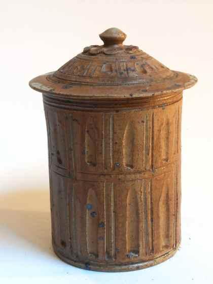 Pot à épices marron
