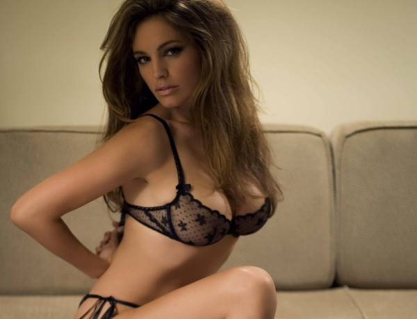 Kelly Brook : Un coeur à prendre