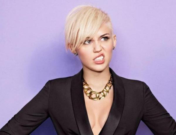 Miley Cyrus : Couvrez ce sein que je ne saurais voir !