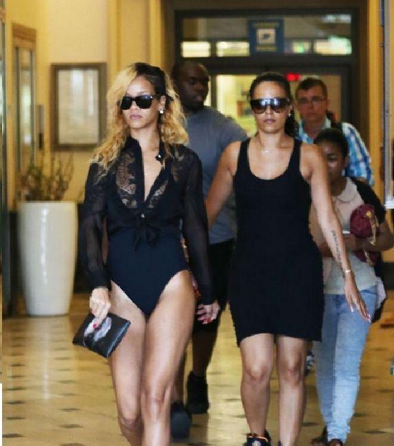 Rihanna Bain⋆ Shopping Maillot Fait Son En De 9IWD2HE