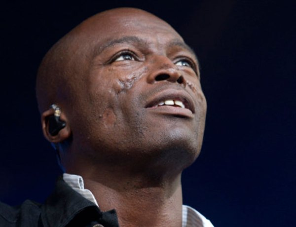 Seal en « blonde » compagnie