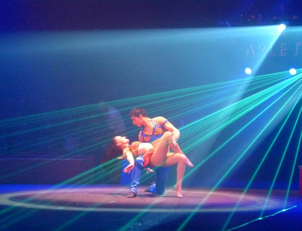 Découvrez l'un des plus beaux cirques du monde : Arlette Gruss !