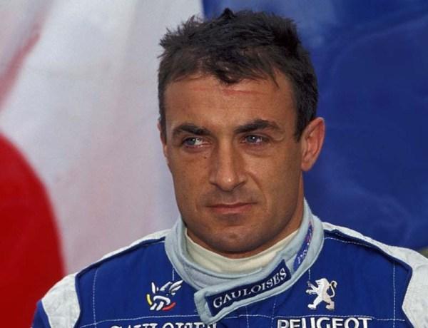 Jean Alesi inquiet : Il accuse les proches de Michael Schumacher