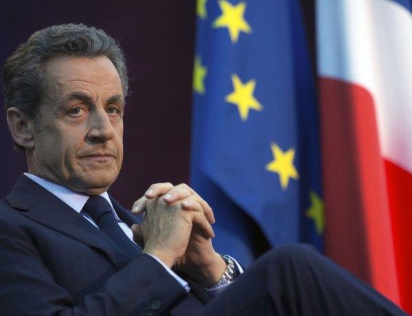 Nicolas Sarkozy : Une militante lui déclare son amour en direct et veut prendre la place de sa femme !
