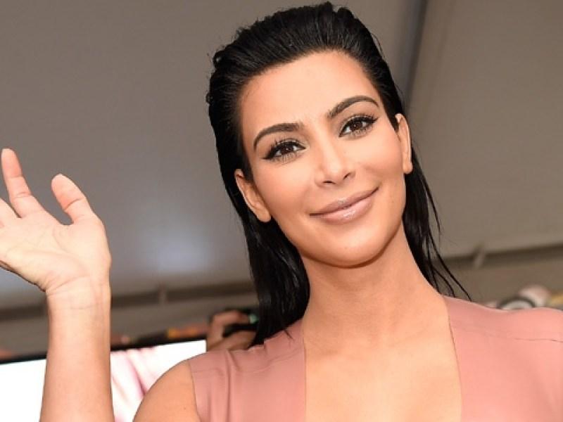 Kim Kardashian nue sur Twitter : la starlette pète un câble sur les réseaux sociaux