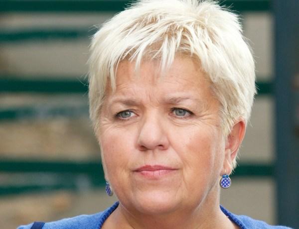 Les Enfoirés: Mimie Mathy insulte VSD de «journal merdique»
