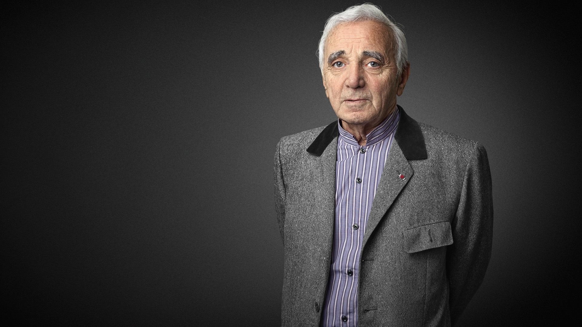 Charles Aznavour suggère de