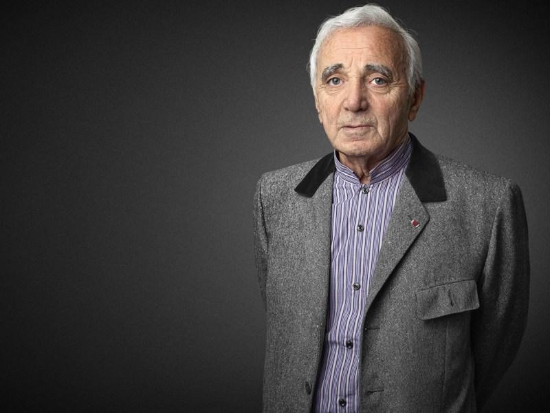 """Charles Aznavour choque en proposant un """"tri"""" des migrants"""