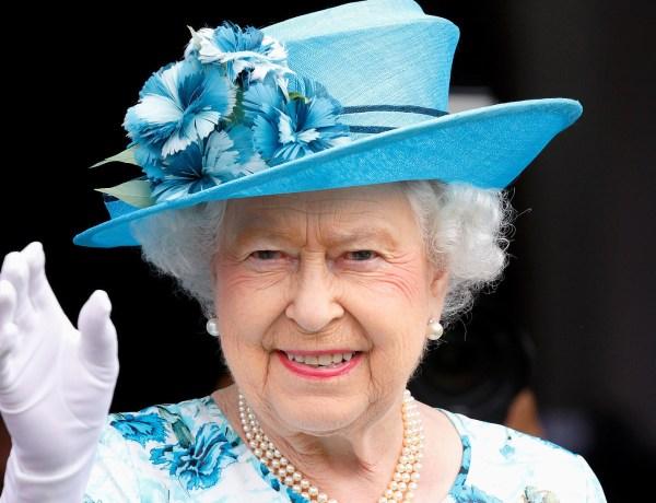 """""""Je suis toujours en vie !"""", plaisante la reine Elizabeth II suite au Brexit"""