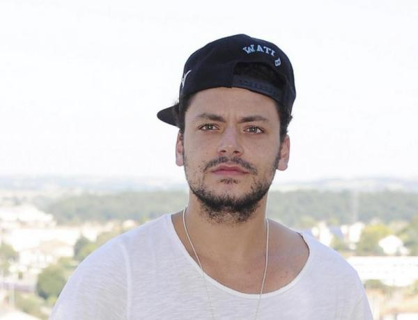 Kev Adams en couple avec un sublime mannequin? La photo qui interpelle les internautes