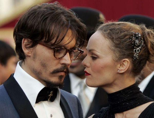 Vanessa Paradis vole au secours de Johnny Depp