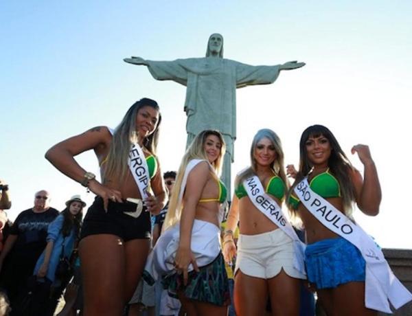 Miss Bumbum 2016 : Une photographie des candidates choque les catholiques au Brésil