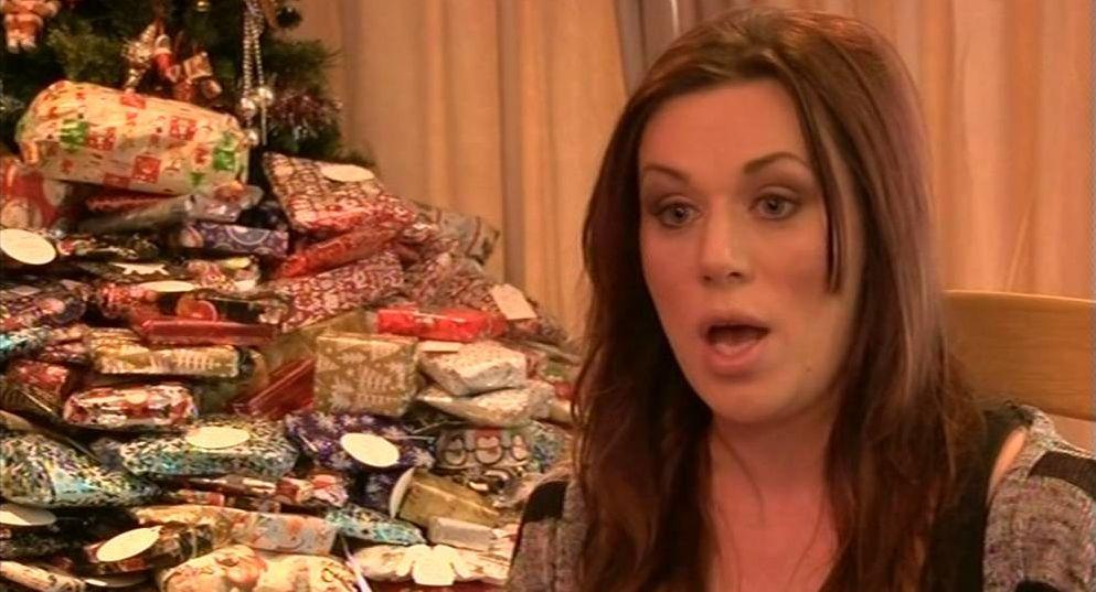Royaume Uni : Pour Noël, elle offre 97 cadeaux à ses trois enfants !