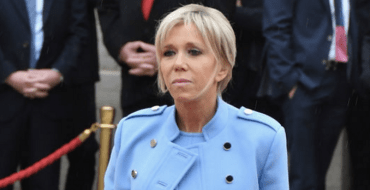 Brigitte Macron a (très) peur des avions… pour les voyages à l'étranger, ça va être compliqué !