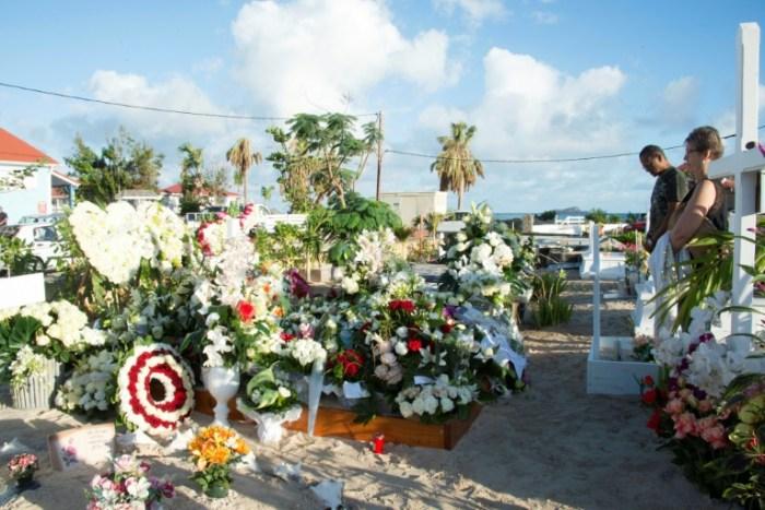 La tombe de Johnny Hallyday à Saint-Barth, le 12 décembre 2017