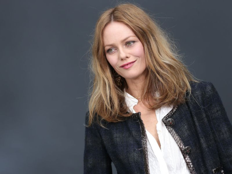 vanessa paradis ouvrira la c r monie des c sar d di e jeanne moreau. Black Bedroom Furniture Sets. Home Design Ideas