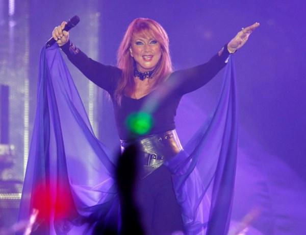 Julie Pietri obligée d'annuler un concert devant des centaines de fans déçus