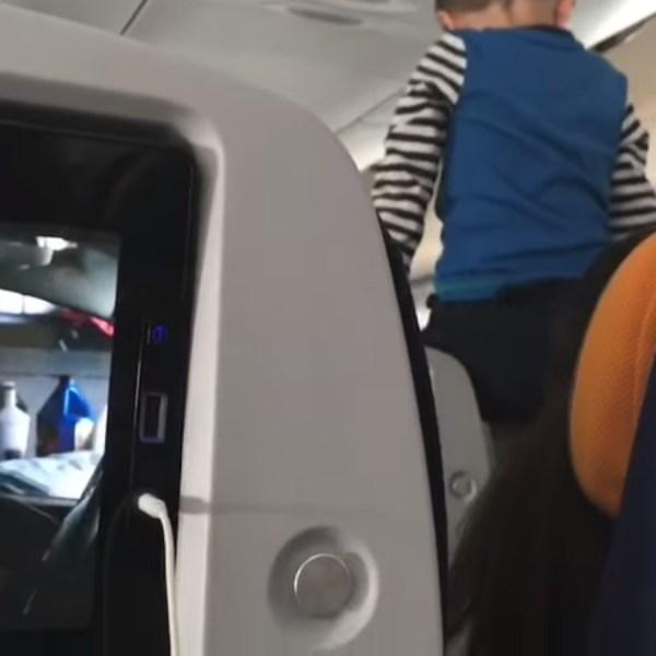 Le calvaire de passagers qui, pendant 8h de vol, doivent supporter les cris d'un enfant turbulent