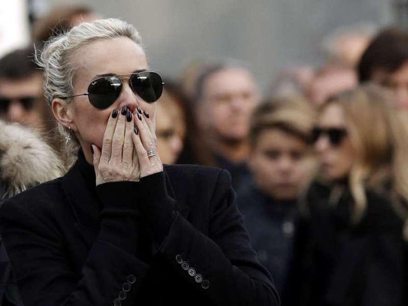 """Laura Smet conteste le testament de Johnny Hallyday : Laeticia Hallyday exprime son """"écoeurement"""""""