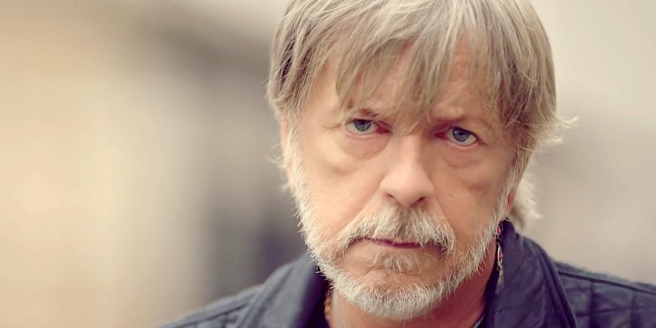 Son ex-femme, Romane Serda, donne des nouvelles du chanteur — Renaud