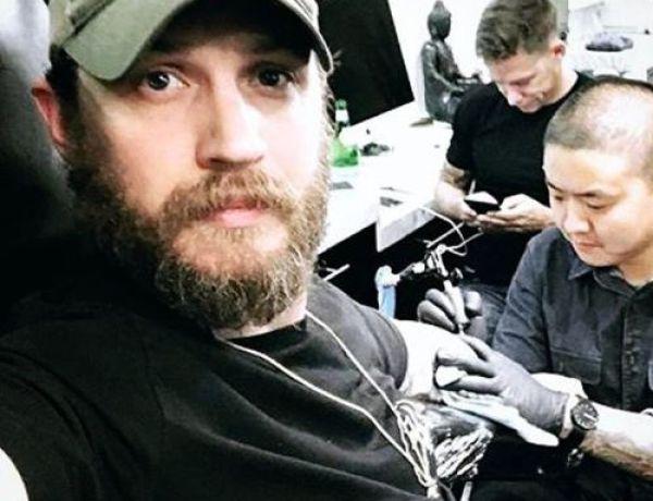 Pourquoi Tom Hardy s'est fait tatouer le nom de Leonardo DiCaprio