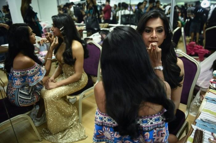 L'Indienne Nitasha Biswas se prépare au concours de beauté transgenre