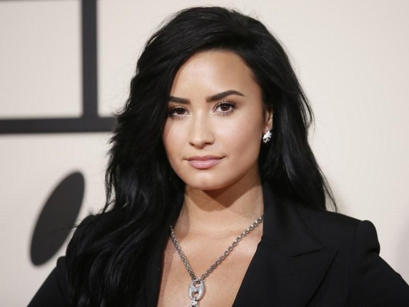 Demi Lovato se confesse sur sa sobriété : « il y a 6 ans, je buvais de la vodka à 9h du matin »
