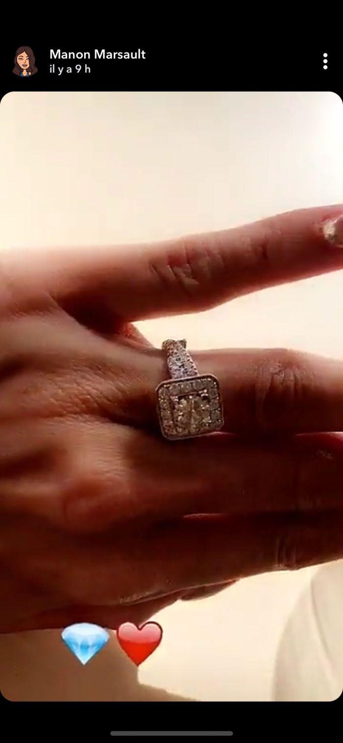 Manon Marsault dévoile sa bague de fiançailles