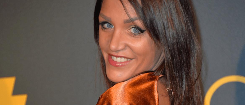 Julia Paredes : «dangereux», «malade mental» … La candidate porte plainte contre son ex !
