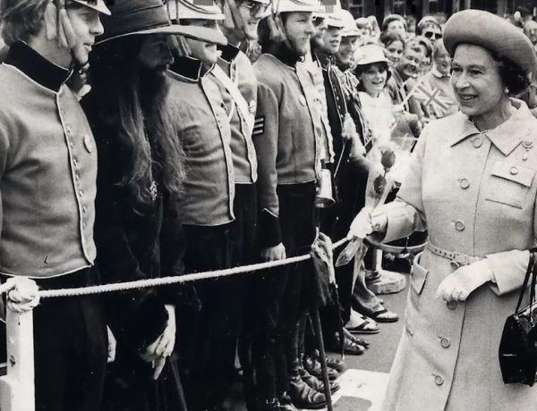 La Reine d'Angleterre Elizabeth II a failli être assassinée !