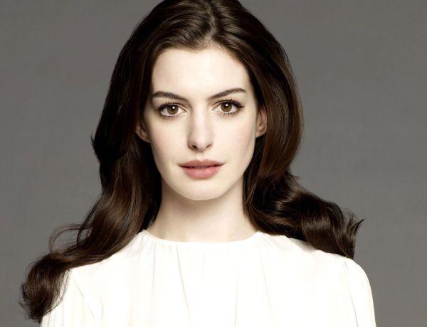 Anne Hathaway devance les critiques avant sa transformation physique
