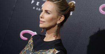 Plus de quinze ans  après Monster, Charlize Theron se métamorphose pour le film Tully