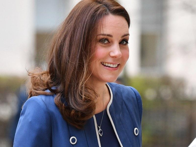 Kate Middleton sur le point d'accoucher ? Les médias britanniques sont en effervescence !