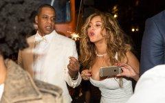 Trois clauses incroyables dans les contrats de mariage des stars